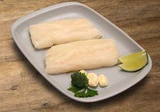 tła drewniany rybi surowy Obrazy Stock