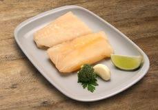 tła drewniany rybi surowy Fotografia Stock