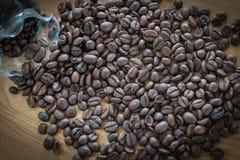tła fasoli kawy drewno Fotografia Royalty Free