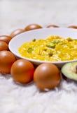 tła jajek omletu rozdrapany biel Fotografia Stock