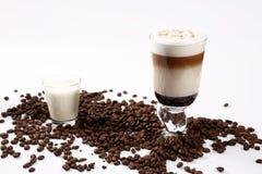 tła koktajlu kawowego lody odosobniony biel Zdjęcia Stock