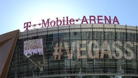 T-Mobile-Arena in Las Vegas an Toshiba-Piazza - USA 2017 stock video