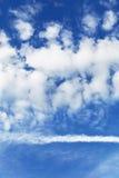 tła niebieskie niebo Zdjęcia Stock