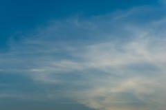 Tło chmur pierzastych chmury Obrazy Royalty Free
