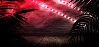 T?o ciemny pok?j, tunel, korytarz, neonowy ?wiat?o, lampy, tropikalni li?cie zdjęcie stock