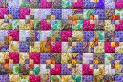 Tło kolorowe patchwork tkaniny Zdjęcia Royalty Free