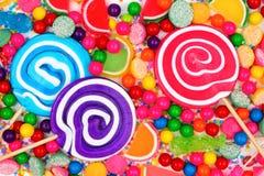 Tło kolorowi asortowani cukierki Obraz Stock