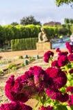 Tło krajobrazowy widok fontanny w ogródzie Alcazar, cordoba Zdjęcia Stock