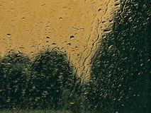 T?o raindrops na szkle fotografia stock