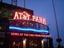 AT&T-Park - Huis van de Reuzen - Neonteken bij nacht royalty-vrije stock afbeeldingen
