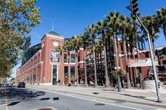 AT&T parkerar i San Francisco, Kalifornien Arkivfoton