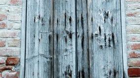 T?r gemacht von den T?felungen in einem l?ndlichen Haus, Italien stock footage