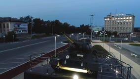 T-34 Radzieckiego wojska Batalistycznego zbiornika Średni Pamiątkowy zabytek przy nocą Obrazy Royalty Free