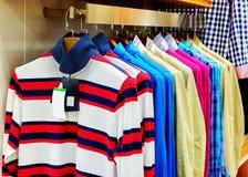 T-Shirt Lizenzfreie Stockfotos