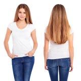 T-shirt blanc sur un calibre de jeune femme Images libres de droits