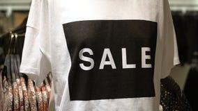 T-shirt com cópia da venda video estoque