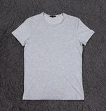 T-shirt gris vide Photographie stock