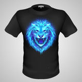 T-shirt masculin avec la copie de lion. Image stock