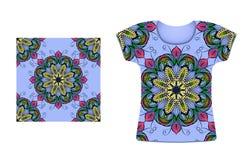T-shirt met naadloos cirkelpatroon Etnische stijl Royalty-vrije Stock Foto