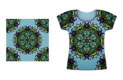 T-shirt met naadloos patroon Stock Foto's