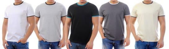T-shirt sur un jeune homme Photos stock