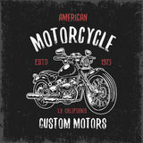 T-shirtdruk met hand getrokken motorfiets vector illustratie