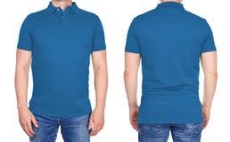 T-shirtontwerp - mens in leeg lichtblauw geïsoleerde polooverhemd stock foto's