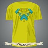 T-shirtontwerp met Kleurrijk hoofd van Pug in lineaire grafische desig Stock Foto's