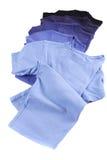 T-shirts bleus image stock