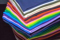 T-Shirts hergestellt von der Baumwolle und von der Faser Lizenzfreie Stockfotos