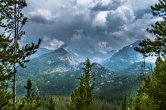 Tęsk szczyt, burza szczyt, Przyrodnia góra, Thattop góry Skaliste góry Zdjęcia Royalty Free