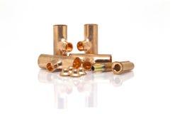 T-skarv, anslutningsrör och skyddsremsahätta av luftkonditioneringsapparaten eller R royaltyfri bild