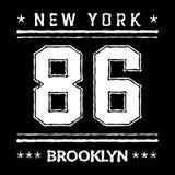 T-skjortatypografi grafiska New York Brooklyn Arkivbild