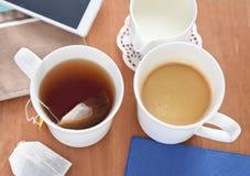 T-Stück Kaffee Oder Stockbild