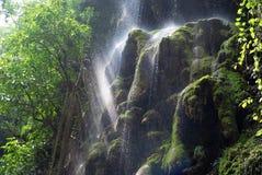 T-Stück Lor Jo/Regenbogen-Wasserfall Stockfotografie