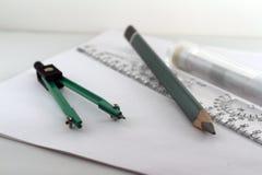 T-Stück Regel Kompassse und ein Bleistift Stockfotografie