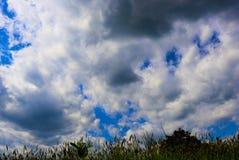 T?te dans les nuages photo stock