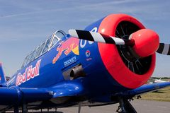T-6 Texaner Red Bull Stockbilder