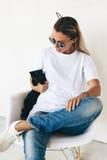 T-tröjamodell på modell arkivfoton