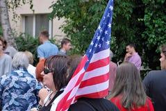 Tłumu entuzjastycznie fala flaga Zdjęcie Royalty Free