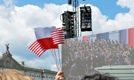 Tłumu entuzjastycznie fala flaga Krasinski kwadrat Obraz Stock