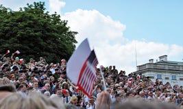Tłumu entuzjastycznie fala flaga Krasinski kwadrat Zdjęcie Royalty Free