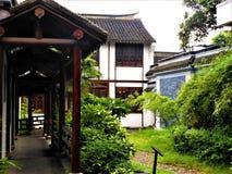 imagine stock despre  chineză tradiţionale arhitectura şi clădiri printre pace şi relaxa