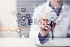 imagine stock despre  electronice sănătate medicina şi medicale medic lucru cu moderne