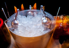 imagine stock despre  gheaţă pentru băuturi şi cocktailuri