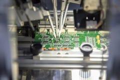 imagine stock despre  producţie linie electronice bord cu microcip