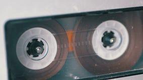 Taśma dźwiękowa Rocznik taśmy pisak bawić się audio kasetę wkładającą w tym zdjęcie wideo
