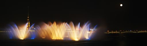 tańcząca fontanny wody Zdjęcie Stock