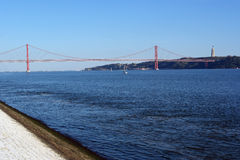25ta April Bridge, Lisboa, Portugal Imagenes de archivo
