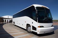 tła autobusowy ścinek odizolowywający ścieżki wycieczki turysycznej biel Zdjęcie Stock